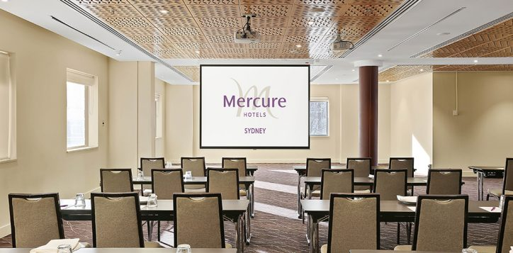 grand-central-classroom-2-with-mercure-logo-2